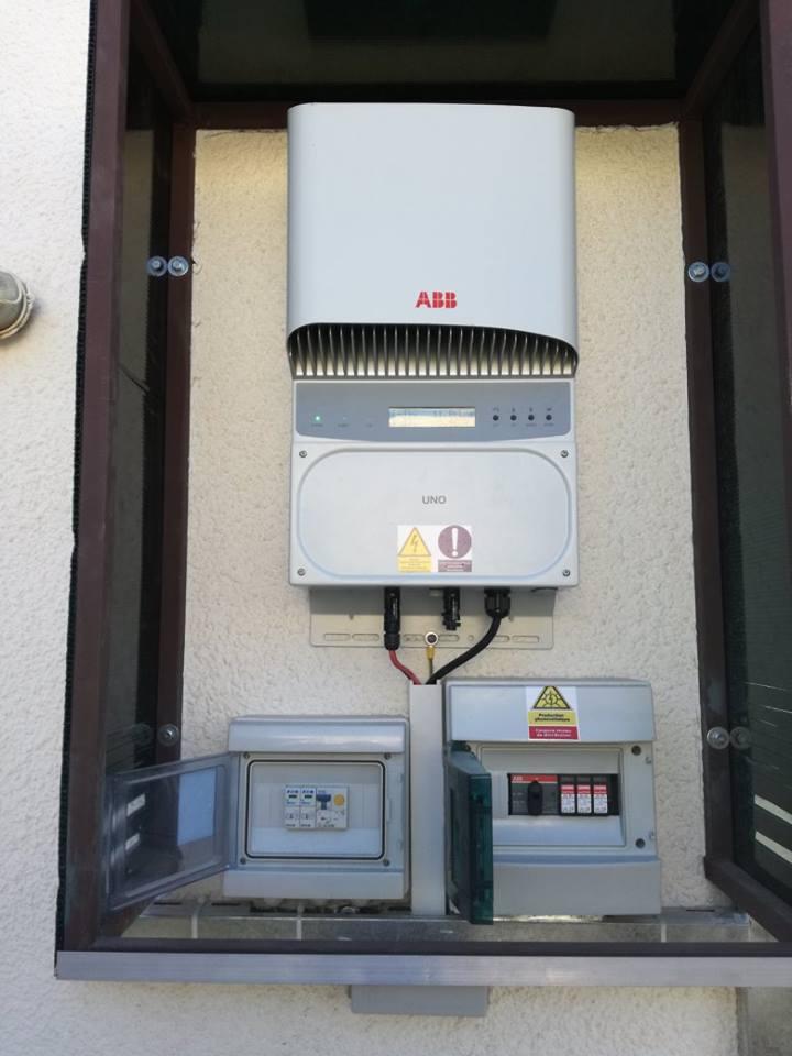 Installation-photovoltaïque-raccordée-au-réseau-d'une-puissance-2.75Kwc-JBENIANA-SFAX-TUNISIE-Societe-SOLIDER-1.jpg